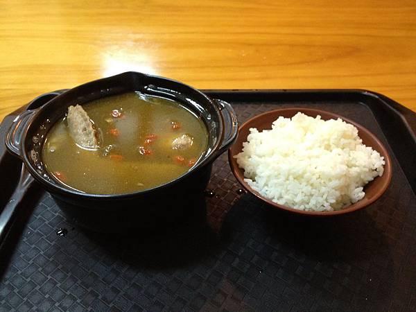 麻油雞湯(X酒) (1)