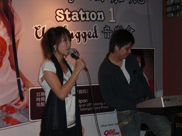 unplugged w kenn 和小胖伯伯合作:P