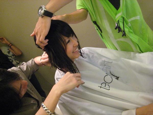 剪头发过程