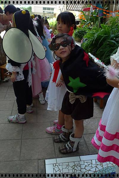 2011-halloweensh4