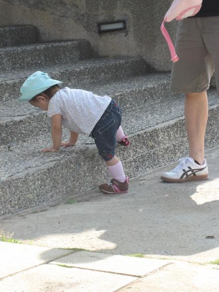 想要自已爬樓梯