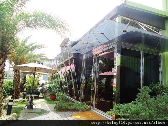 迎風咖啡館2