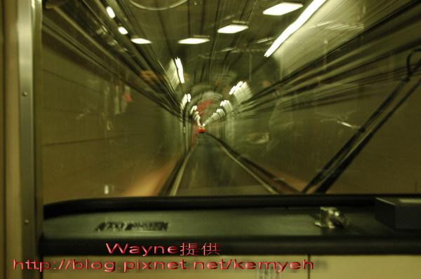 0303_隧道巴士.jpg