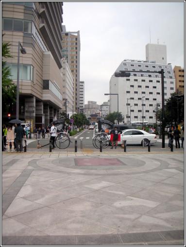 028_山下公園中央口前.JPG