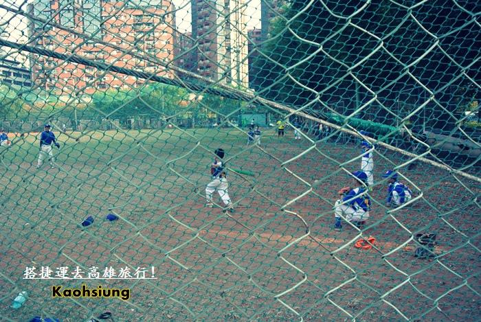 搭捷運高雄旅行趣71