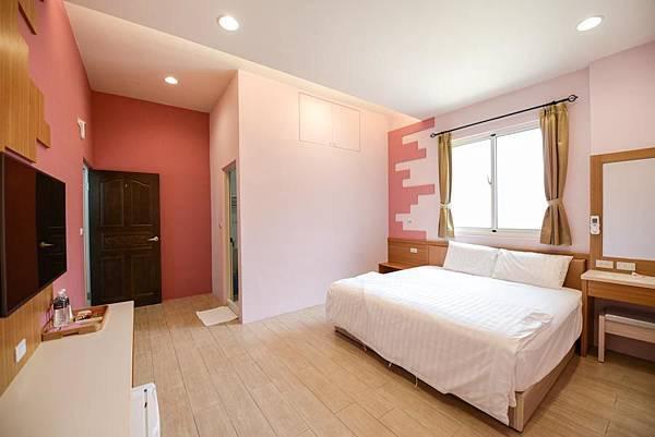 room1-2.jpg