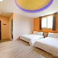 room6-2.jpg