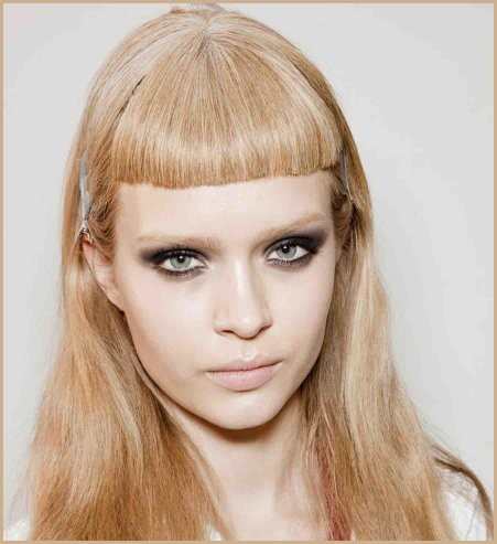 A-short-fringe-trend-Versace-Fall-Winter-2012-2013