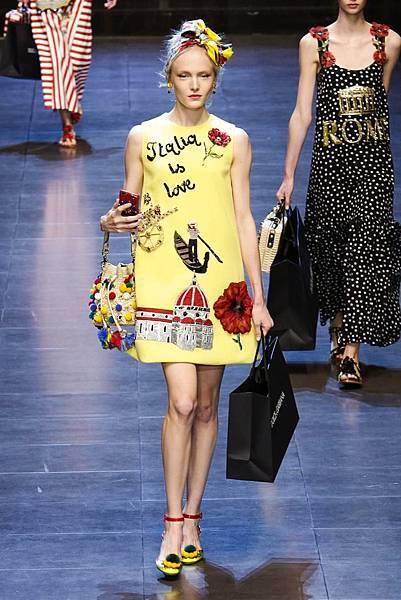 Dolce-Gabbana-RTW-SS16-Milan-2916-1443364034-bigthumb.jpg
