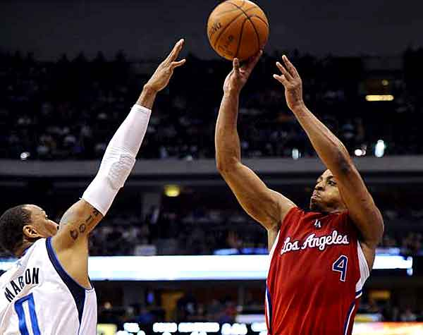 randy-foye-leads-clippers-to-sixth-win-in-a-row