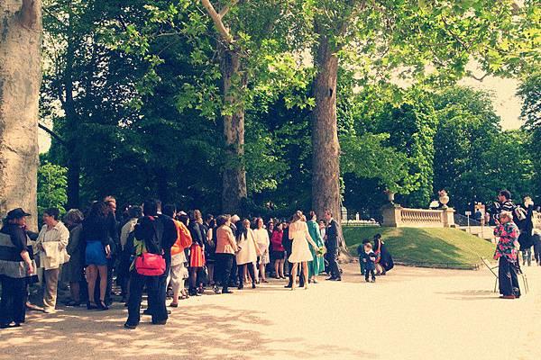 Jardin du Luxembour巧遇新郎新娘