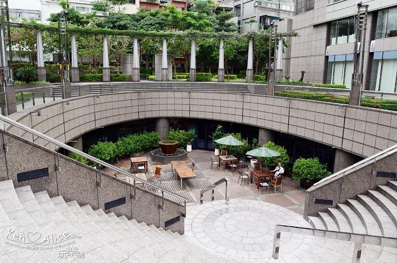 105.11國賓_Market Cafe自助餐02.jpg