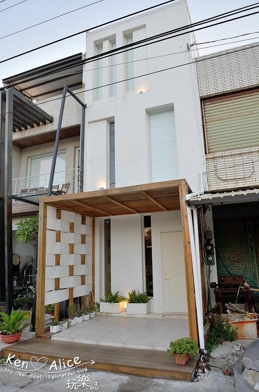 106.06墾丁民宿_後面有灣villa02.jpg
