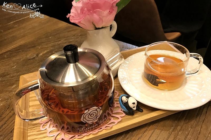 2017.06韓國首爾美食_弘大花咖啡11.jpg