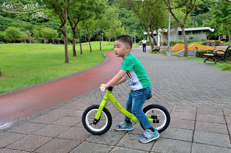 2017.07Double Balance兒童滑步車、平衡車01.jpg