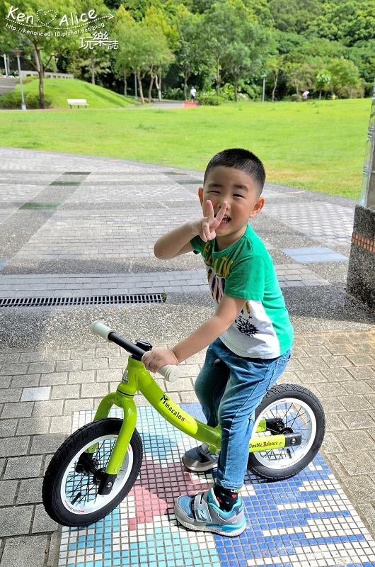 2017.07Double Balance兒童滑步車、平衡車17.jpg