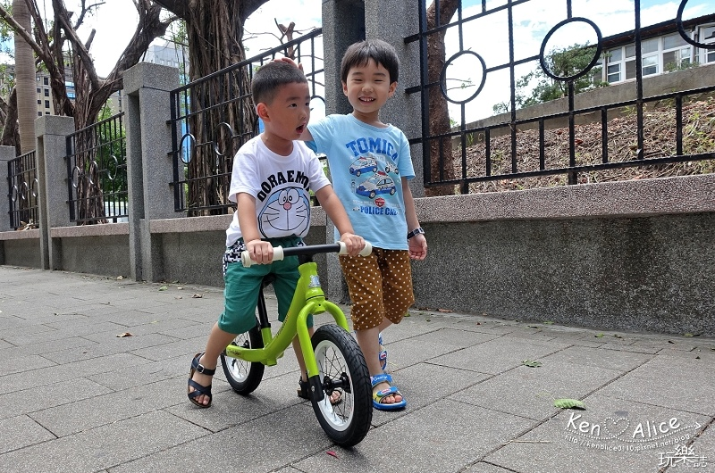 2017.07Double Balance兒童滑步車、平衡車27.jpg