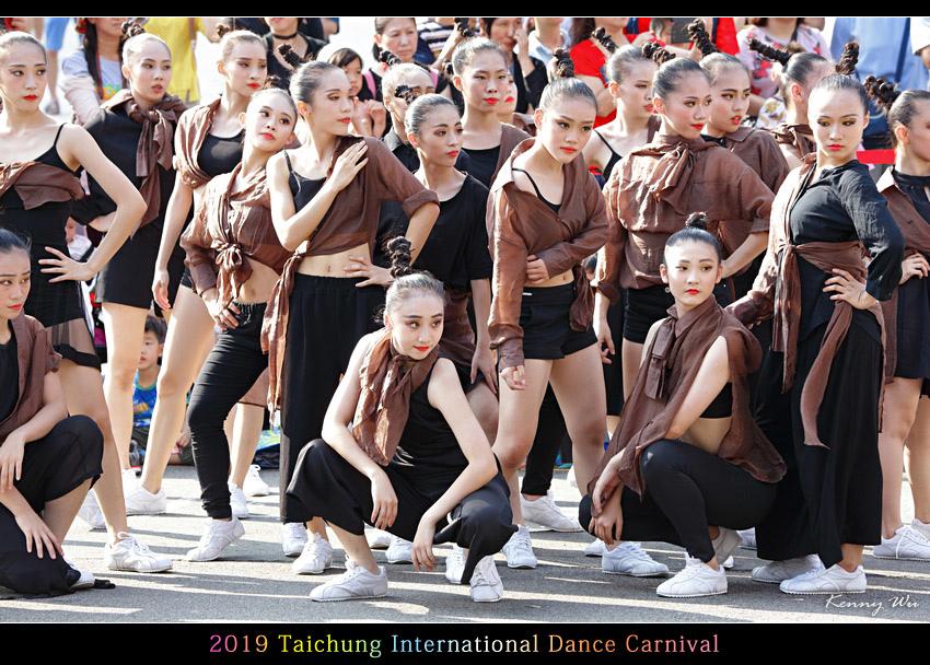 danceca21.jpg
