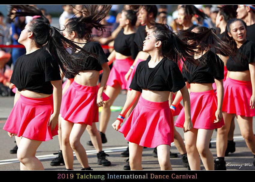danceca26.jpg