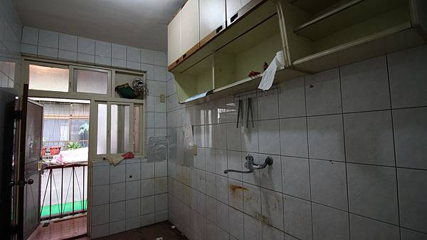 IMG_1442廚房前.JPG
