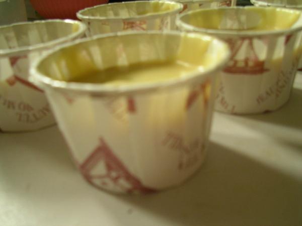 巧克力豆杯子蛋糕(第一次)_側面.JPG