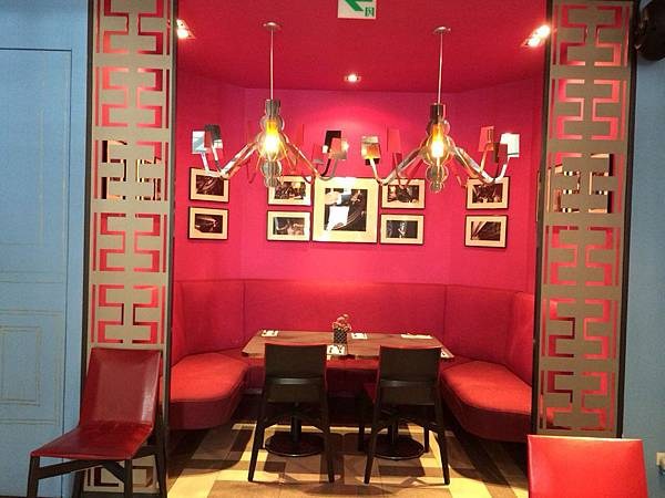18 Cafe (4)