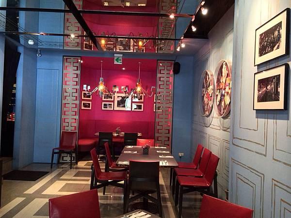 18 Cafe (3)