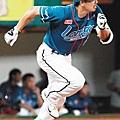 20110904桃猿Lamigo陳金鋒.jpg