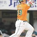 20120110統一獅隊張泰山.JPG
