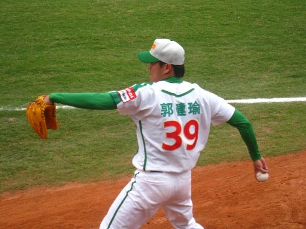 20090613新莊棒球場牛獅戰 063.jpg