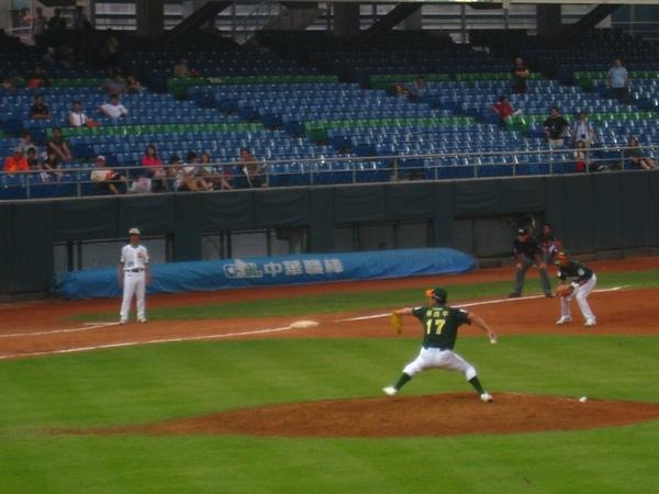 20090613新莊棒球場牛獅戰 082.jpg