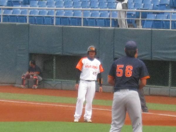 20091114協會盃立德大學vs台中威達 005.jpg