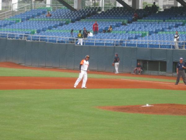 20091114協會盃立德大學vs台中威達 006.jpg