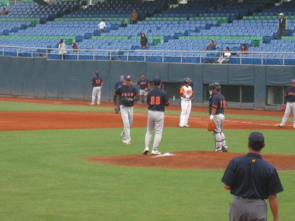 20091114協會盃立德大學vs台中威達 013.jpg