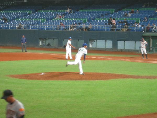 20091114協會盃富邦公牛vs美孚巨人 055.jpg