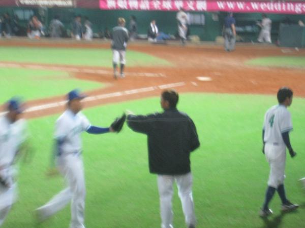 20091114協會盃富邦公牛vs美孚巨人 057.jpg