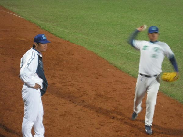 20091114協會盃富邦公牛vs美孚巨人 074.jpg