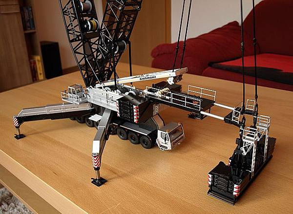 我的LIEBEHRR LG1750桁架式吊車-7.jpg