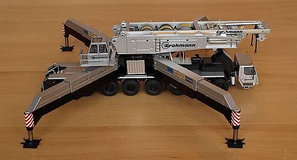我的LIEBEHRR LG1750桁架式吊車-6.jpg