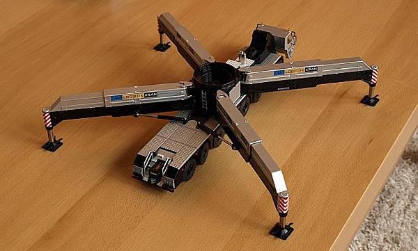 我的LIEBEHRR LG1750桁架式吊車-5.jpg