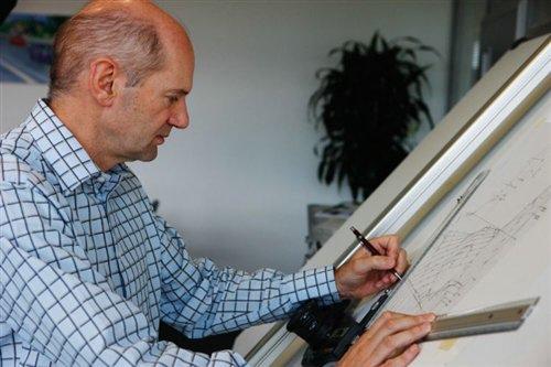 世界首席空力與F1設計大師Adrian Newey.jpg