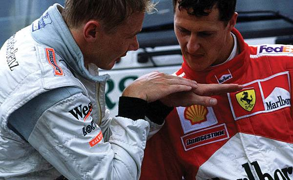 Mika Hakkinen Passes Michael Schumacher-2
