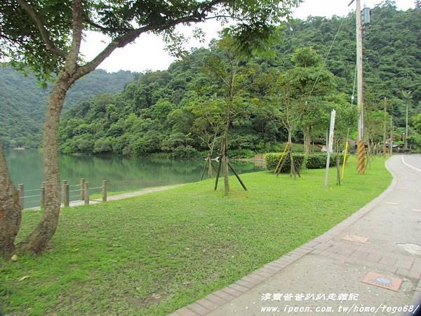 梅花湖 04.JPG