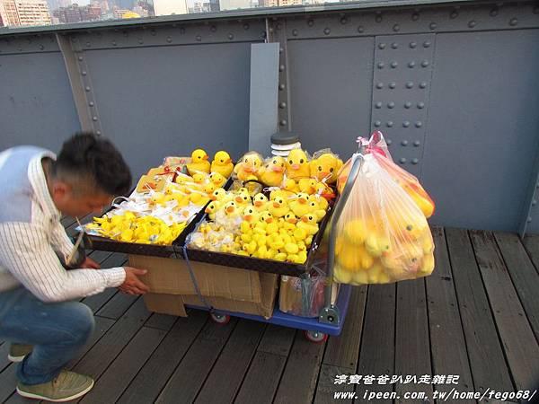 高雄光榮碼頭黃色小鴨54.JPG