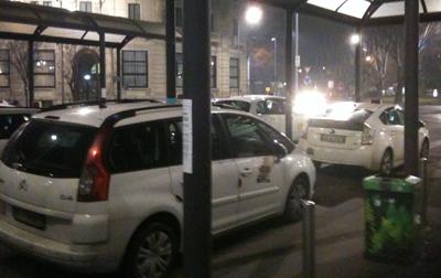 milan taxi.jpg