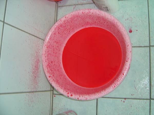 一直滴滴得我的浴室好像有凶殺案
