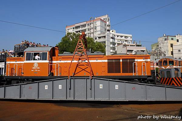 P18703001