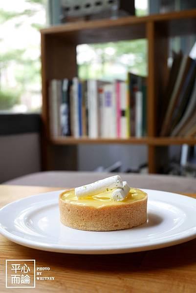 Fika Fika Cafe (12)