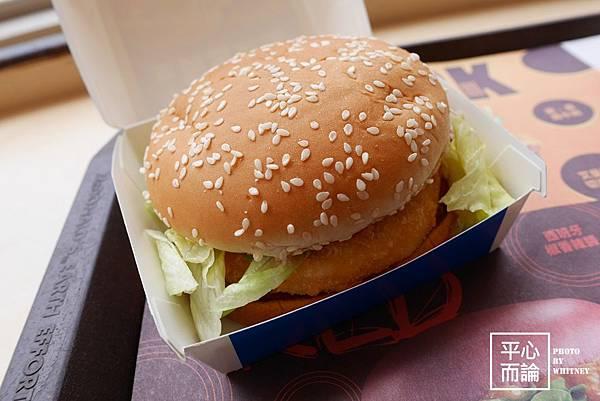 麥當勞千島黃金蝦堡 (2)