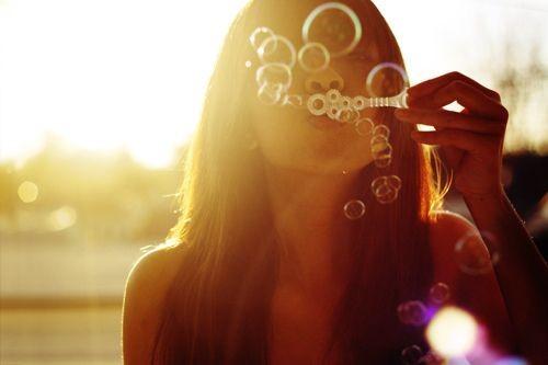 bubbles,bubble,light,people,photography,portrait-297e85fb1be521eaeda737a880086bfb_h